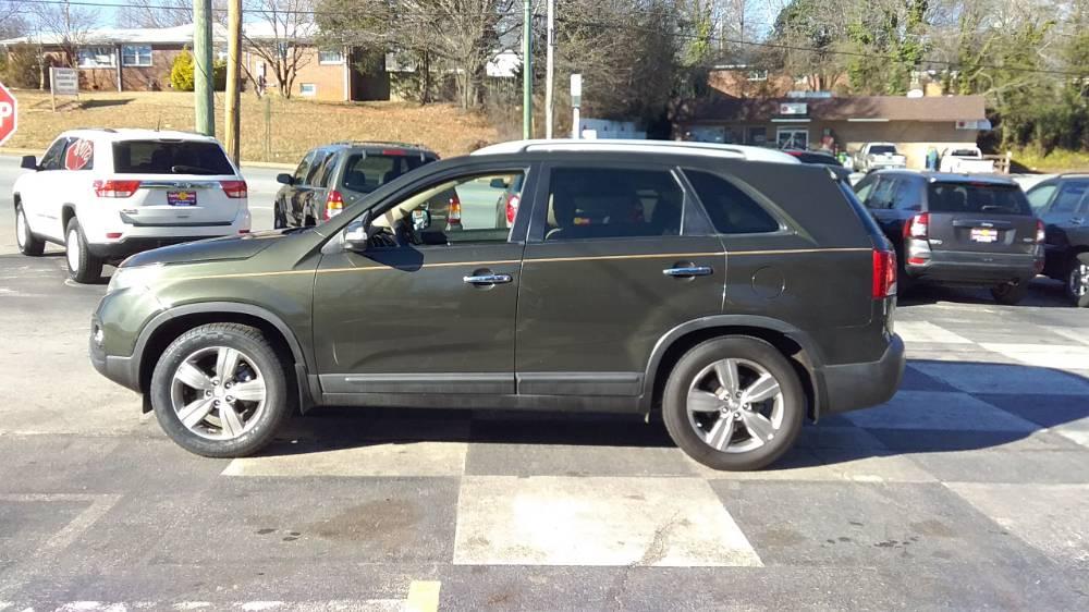 Kia Sorento 2012 Green