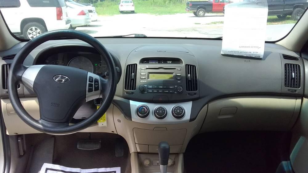 Hyundai Elantra 2008 Tan