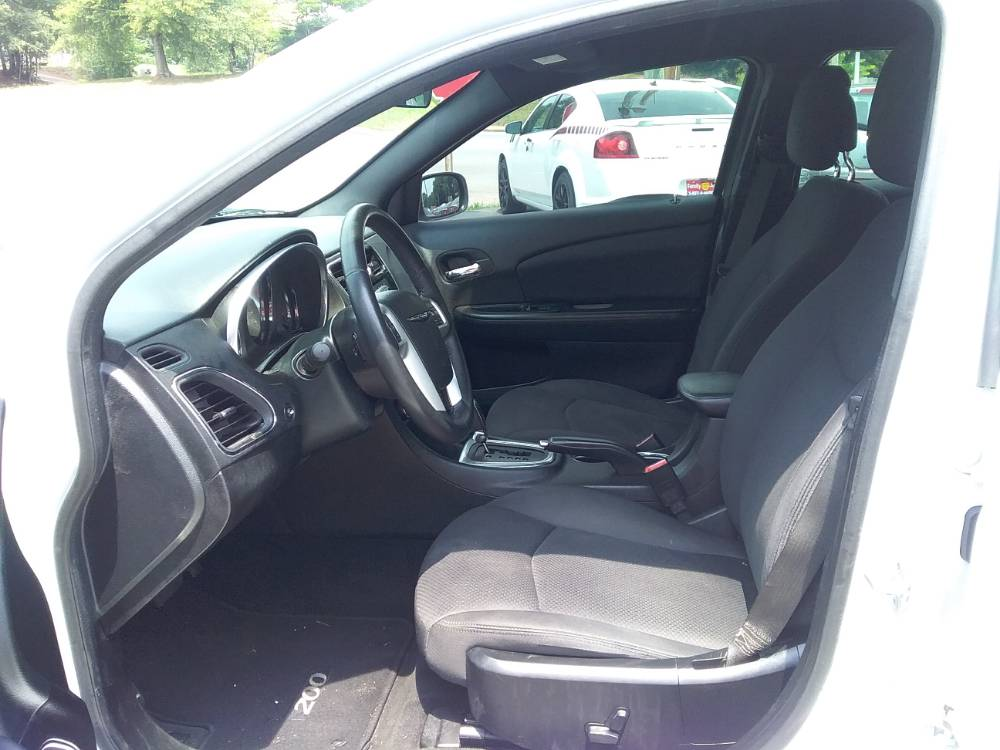 Chrysler 200 2014 White
